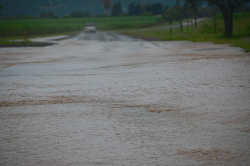 A flooded road on the way to Komatipoort