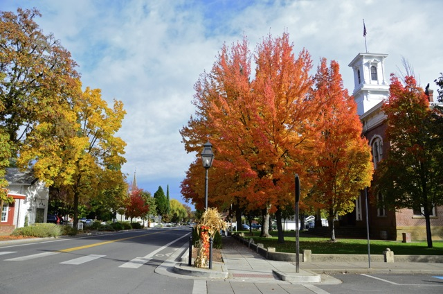 Fall to Winter in Jacksonville Oregon